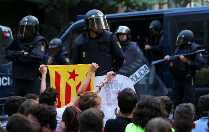 spanish-police-raid-catalan-government-to-halt-banned-referendum
